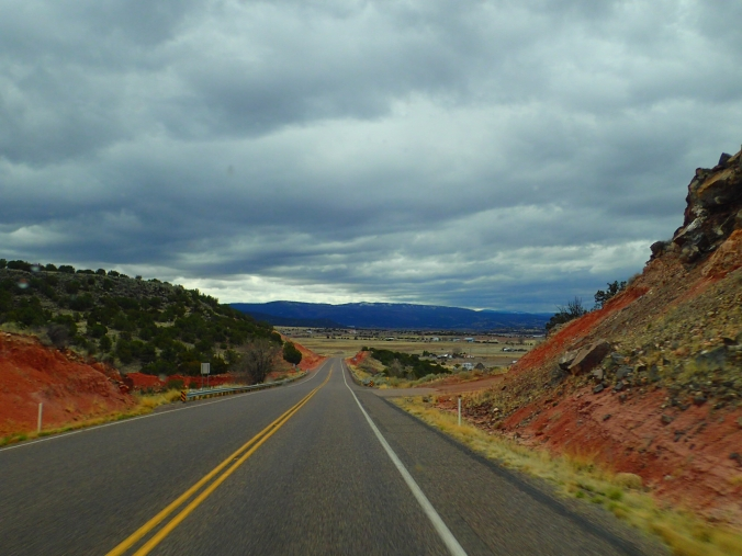Heading towards the mountains and our half way stopping point in route to Petrified Forest