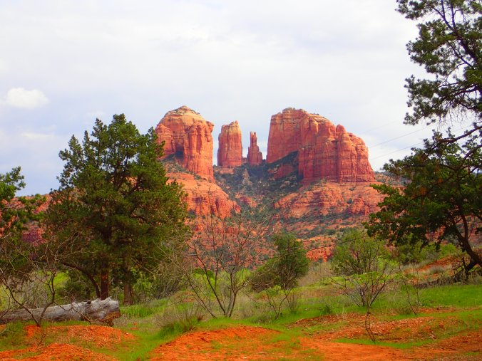 Why Sedona is famous: absurdly beautiful red rock formations