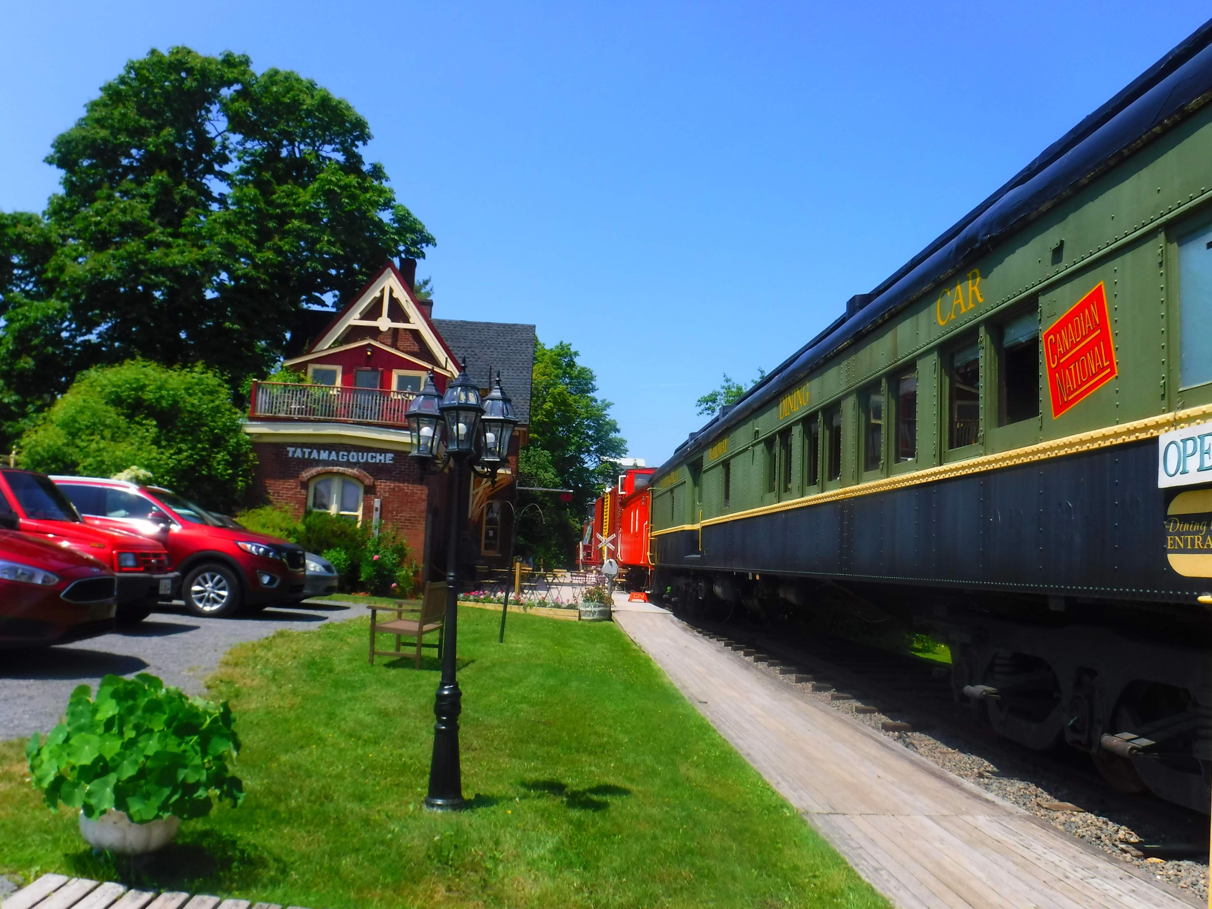 9-train-inn